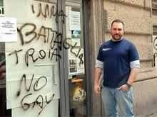 Chiude la storica libreria Babele. Shock per la Milano gay