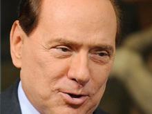 Berlusconi: no a coppie gay e adozioni