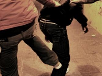 Aggressione+a+Roma%3A+calci+e+pugni+contro+un+attivista+di+GayCs