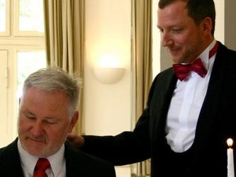 Niente congedo matrimoniale: dipendente gay fa causa all'Asl
