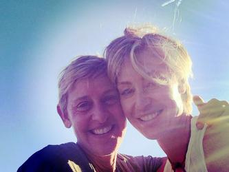 Ellen+DeGeneres%3A+la+moglie+le+fa+una+super+sorpresa+per+l%27anniversario