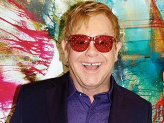Elton John ha dormito a Nizza: inutile la prenotazione di 5 stanze