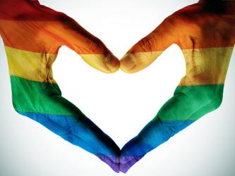 Per i ragazzi italiani, gay e lesbiche hanno diritto a sposarsi