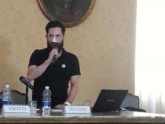 Torino accoglie Andrea Giuliano, l'attivista aggredito a Budapest