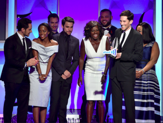 Glaad Media Awards 2015: how to get away... with the award!