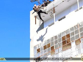 Isis: giustiziato un altro uomo ritenuto gay