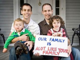 Arriva a Bologna la certificazione di famiglia omogenitoriale