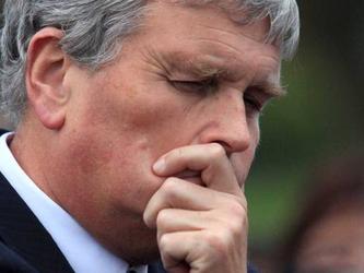 Accosta gay e pedofilia: si dimette il ministro della Salute irlandese