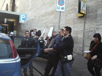 Tre preti coinvolti in un giro di prostituzione minorile a Roma