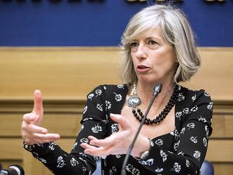 Sel e M5S: interrogazioni alla ministra Giannini su psicosi