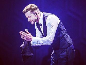 Justin Timberlake canta al matrimonio di una coppia lesbica