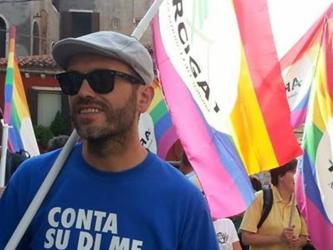 Via+il+crocifisso+dall%27aula%3A+%22Mi+delegittima+in+quanto+gay+e+docente%22