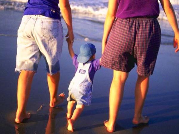 Torino trascriverà l'atto di nascita del bimbo della coppia lesbica