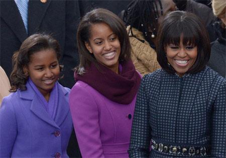 Michelle Obama e le figlie durante la cerimonia di insediamento del presidente
