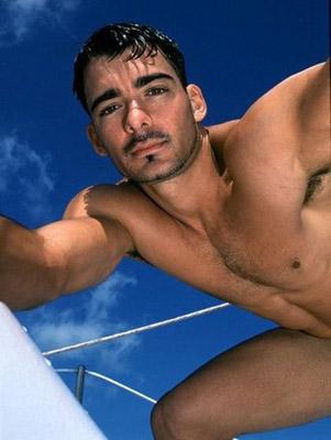 cerco bisex attori gay italiani