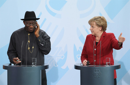 Jonathan Googdluck con Angela Merkel