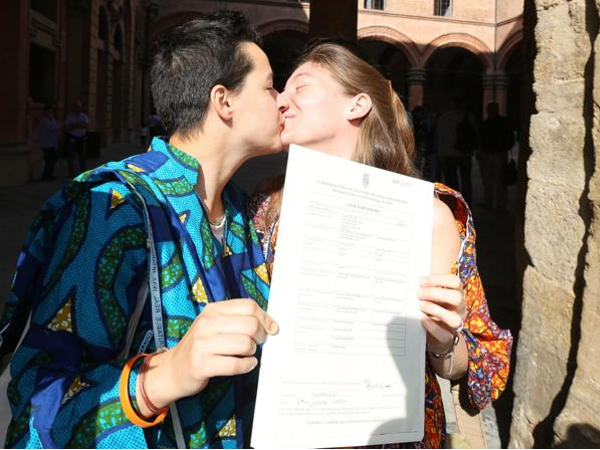 La prima coppia il cui matrimonio è stato trascritto a Bologna