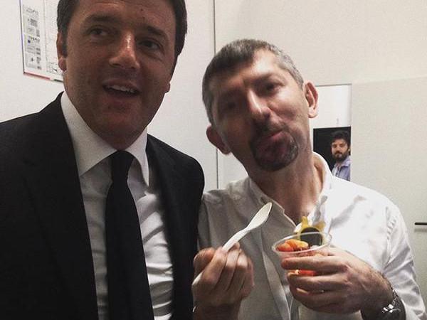 Il premier Matteo Renzi con il sottosegretario Scalfarotto