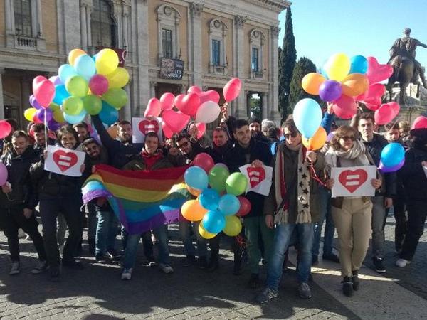 Giornata storica: Roma approva il Registro delle Unioni Civili
