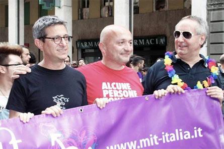 Flavio Romani (al centro) con Sergio Lo Giudice (a sinistra) e Franco Grillini (a destra)