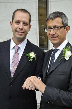 Sergio Lo Giudice (a destra) col marito