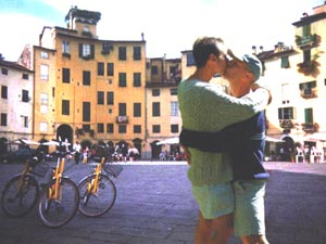 Ciampi contro l'intolleranza a Lucca (lucca bacio 1)