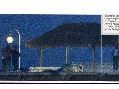 Corona paparazzato nudo alle Maldive