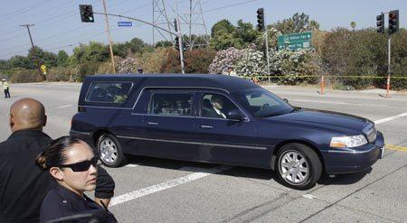 Il feretro di Michael e il cimitero di Hollywood