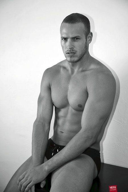 Sean Sullivan sexy coverboy di Tetu