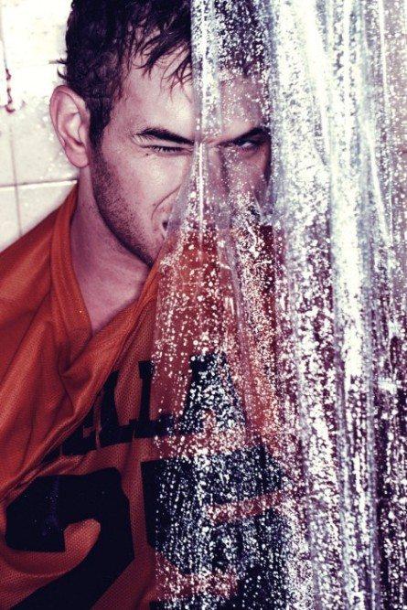 In doccia con Kellan il vampiro