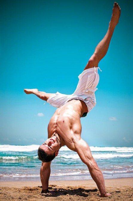 Sebastian Corsten, sensualità che spezza le onde