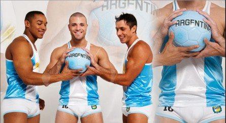 Argentina, tutti in mutande per tifare la nazionale