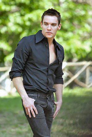 Jonathan Rhys Meyers, bellezza regale