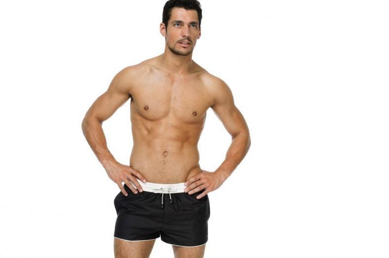 David Gandy è l'uomo di D&G per la collezione Swimwear 2011