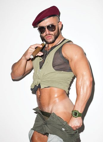 François Sagat in versione militare per Out