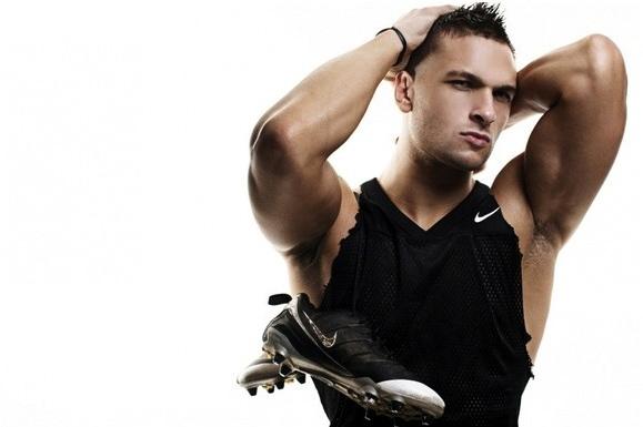 Chuck Strogish, il modello che ama lo sport e l'obiettivo