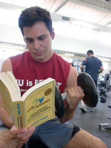 Hot Guys Reading Books: il lato sexy della lettura
