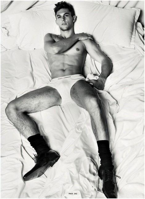 Boiys, boys, boys: i ragazzi di D&G a letto per Antidote