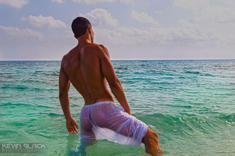 Enrique, il modello cubano che parla con l'obiettivo