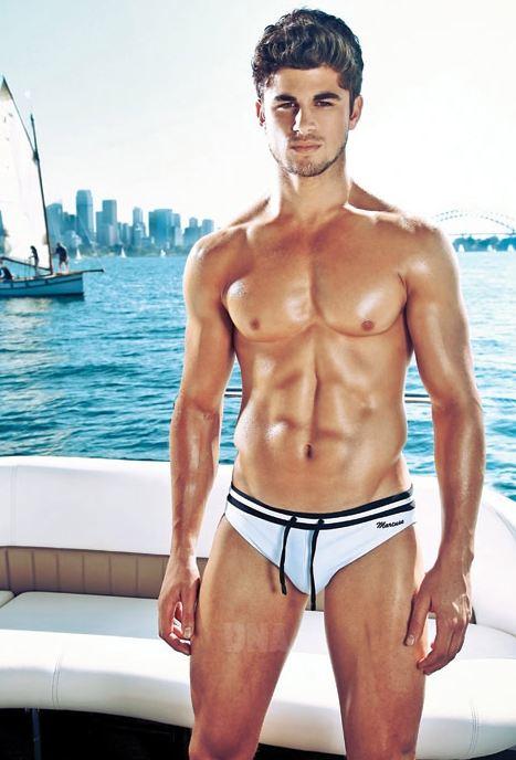 Nick Bracks: stilista, modello e coverboy di DNA