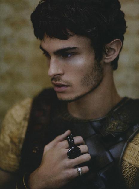 Baptiste Giabiconi è un sexy antico romano per Numéro Homme