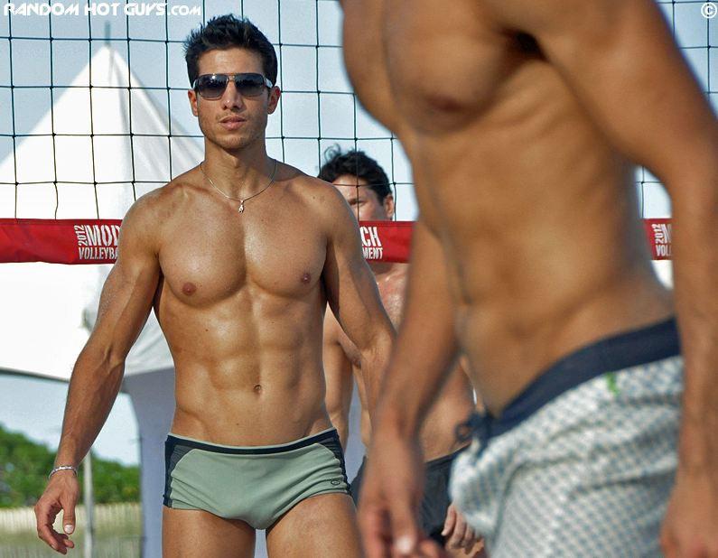 Model Beach Volleyball, il torneo dei modelli a Miami