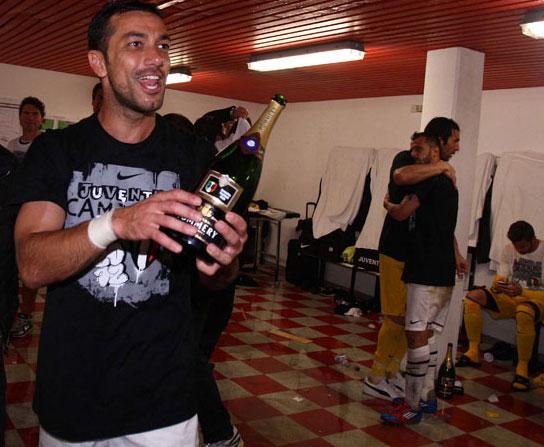 La Juve campione d'Italia: la gioia negli spogliatoi