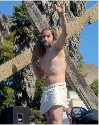 La Hunky Jesus competition
