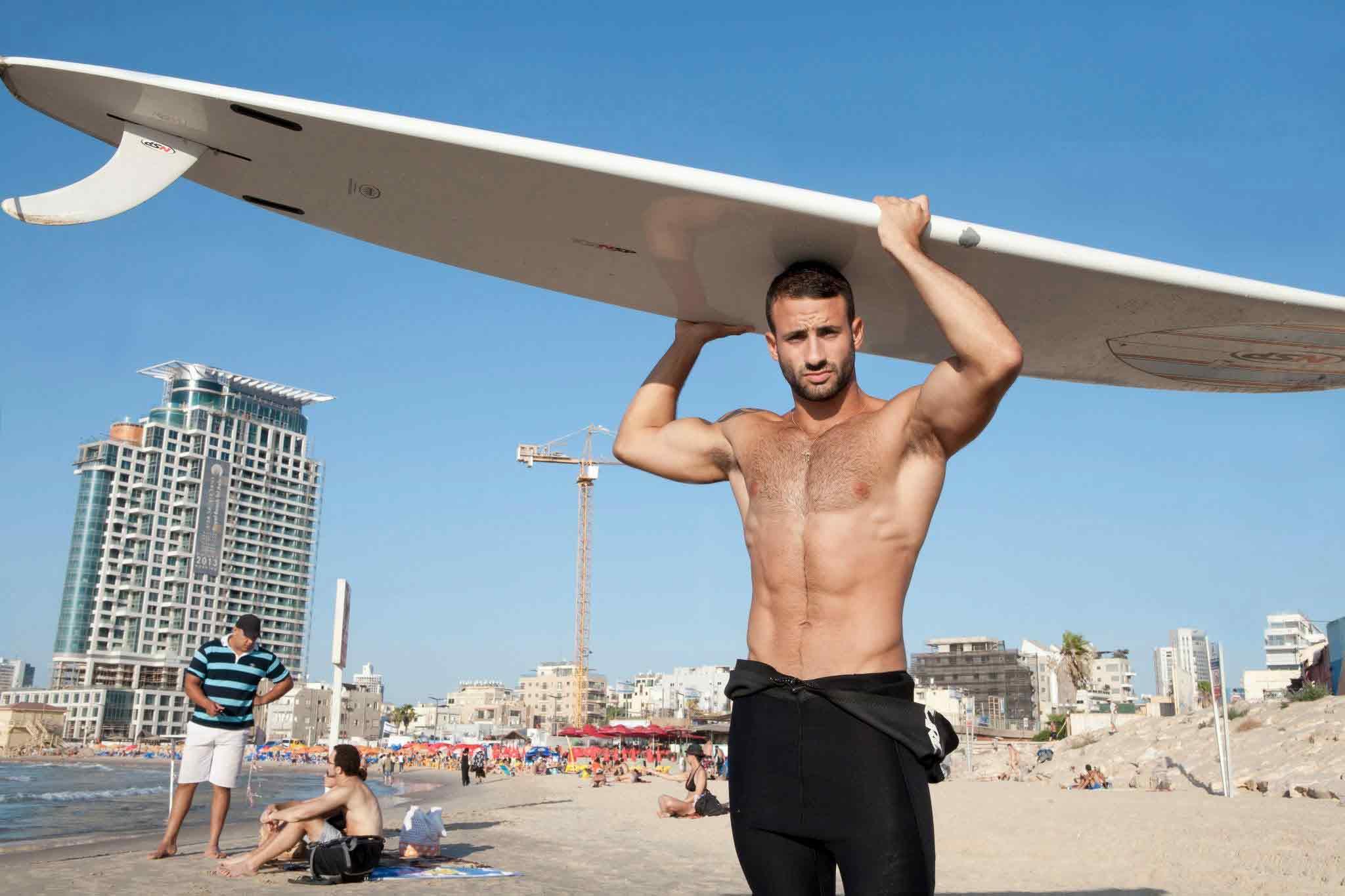 Out va in Israele e incontra Eliad Cohen
