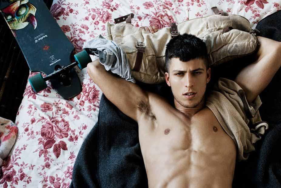 Il giovane modello slovacco Filip Jankovic nudo per Rick Day