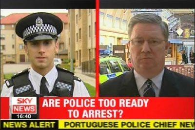 Lo stripper poliziotto che fa arrabiare Scotland Yard