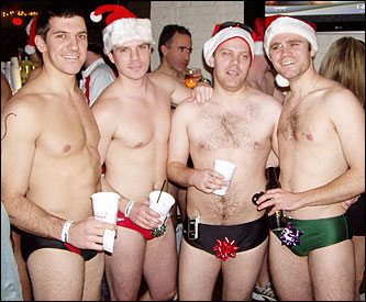 La corsa dei Babbi Natale in mutande