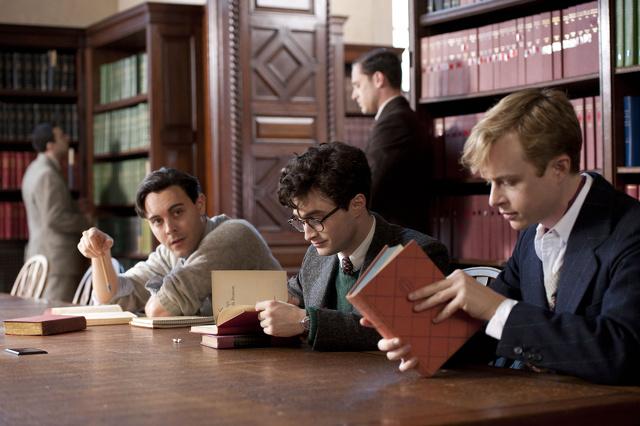 Giovani ribelli: Daniel Radcliffe diventa gay. Le immagini del film