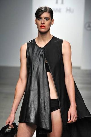 Rain Dove: la modella androgina conquista le passerelle di New York